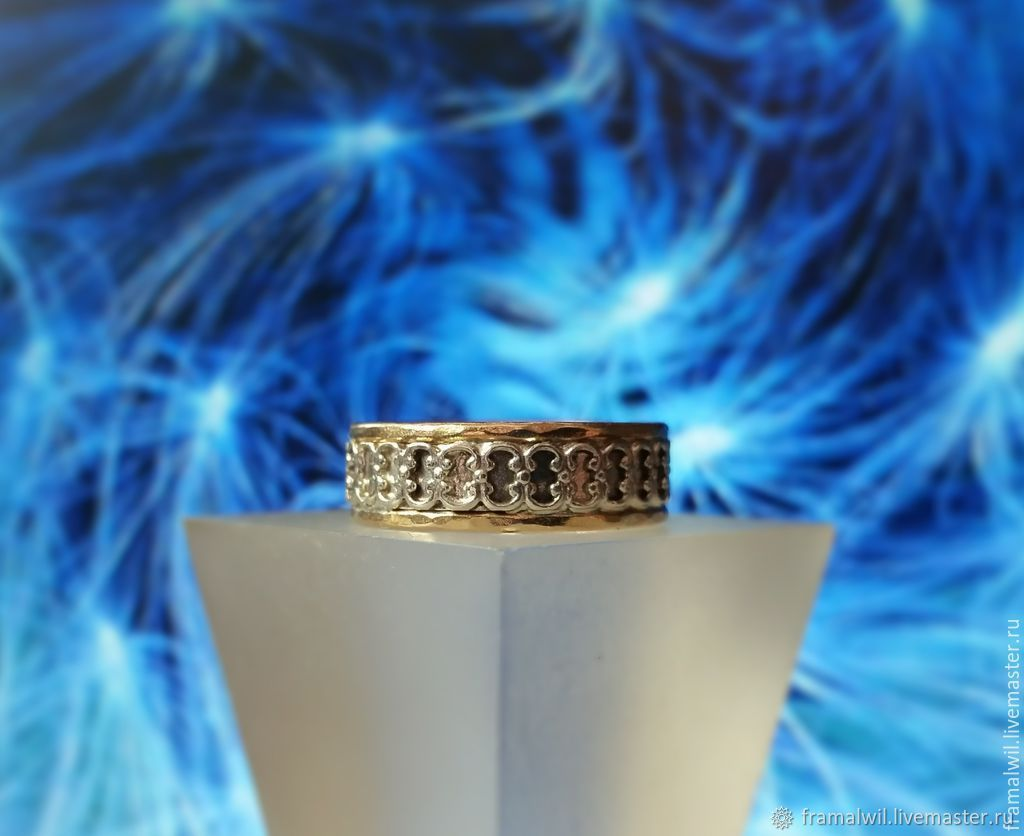рупоры намек на кольцо мужу фото савельев задекларировал