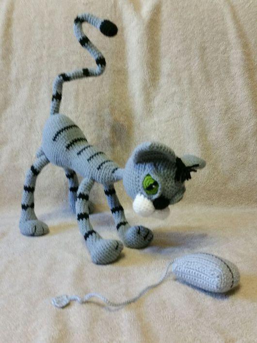 """Игрушки животные, ручной работы. Ярмарка Мастеров - ручная работа. Купить Вот такие нынче мышки!!! (вязаные кот и """"мышка""""). Handmade."""