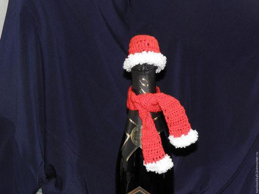 Новый год 2017 ручной работы. Ярмарка Мастеров - ручная работа. Купить Шапочка и шарфик для бутылки. Handmade. Ярко-красный