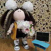 Куклы и игрушки ручной работы. Ярмарка Мастеров - ручная работа Текстильная интерьерная кукла школьница (первоклашка). Handmade.