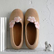 Обувь ручной работы. Ярмарка Мастеров - ручная работа Валяные тапочки Ванильные. Handmade.