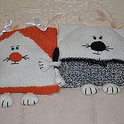 """Для дома и интерьера ручной работы. Ярмарка Мастеров - ручная работа вязаные подушки""""Катя и Котя"""". Handmade."""