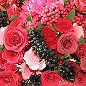 """Цветы и флористика ручной работы. Ярмарка Мастеров - ручная работа """"Букет из роз и ягод"""". Handmade."""