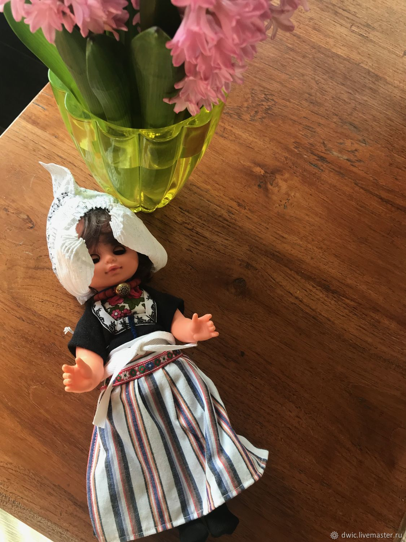 Little Dutch doll, Holland