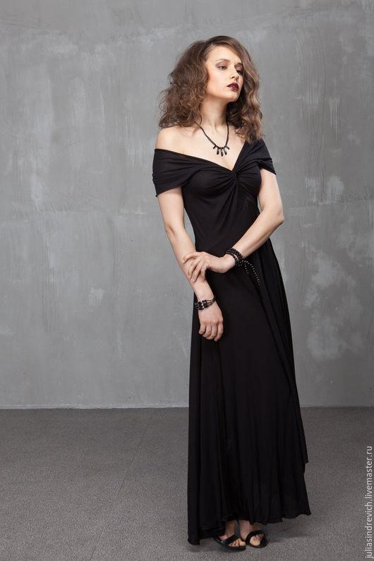 П_031 Платье Переплет, цвет черный, шелково-вискозный трикотаж. П_025 Болеро с капюшоном на завязках, цвет коралл.