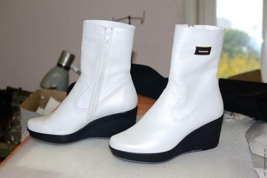 Обувь ручной работы. Ярмарка Мастеров - ручная работа. Купить Жемчужина. Handmade. Белый, сапоги демисезонные