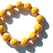 Украшения ручной работы. Ярмарка Мастеров - ручная работа Браслет желтый оранжевый на резинке из полимерной пластики и бисера. Handmade.