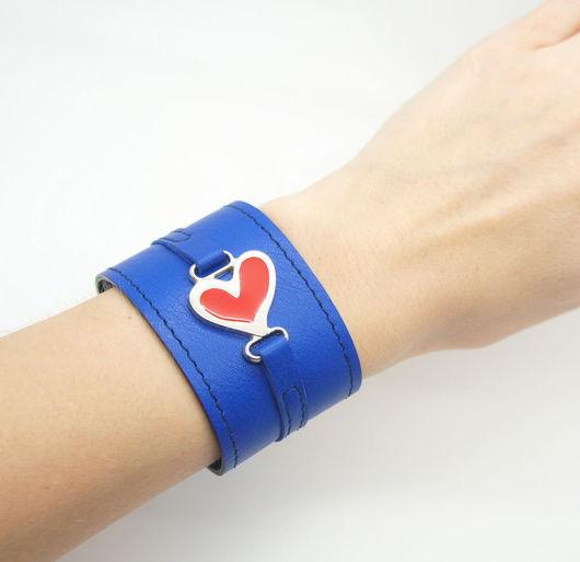 Браслеты ручной работы. Ярмарка Мастеров - ручная работа. Купить Браслет Сердце, ярко-синий. Handmade. Мокрое валяние, браслет