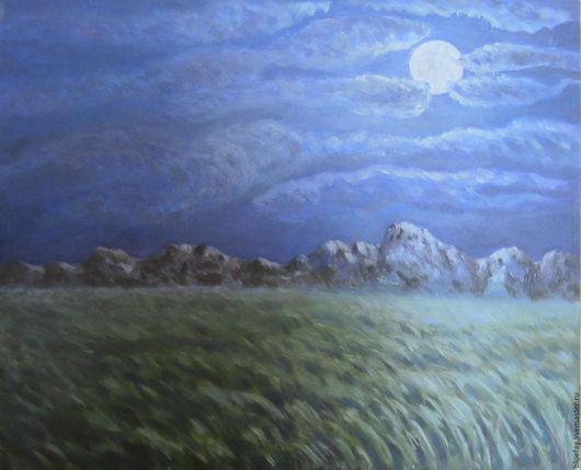 Ночная степь, горы вдали.