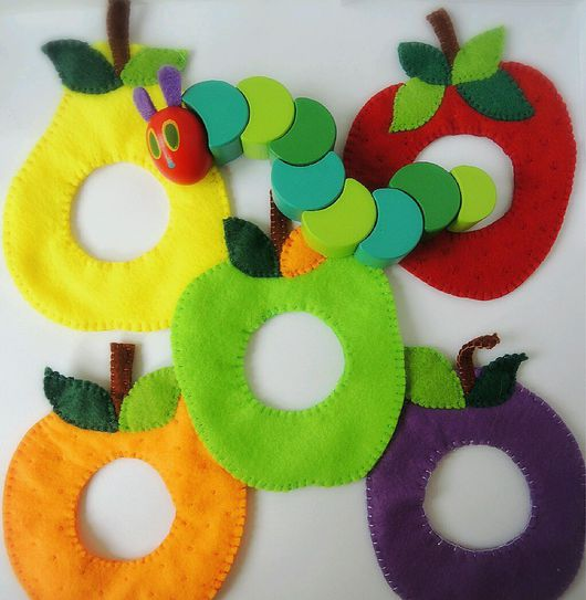 """Развивающие игрушки ручной работы. Ярмарка Мастеров - ручная работа. Купить Игра """"Очень голодная гусеница"""". Handmade. фрукты из фетра"""
