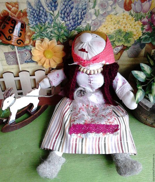Народные куклы ручной работы. Ярмарка Мастеров - ручная работа. Купить Кукла Бабка с козочкой. Handmade. Бордовый, кукла бабка