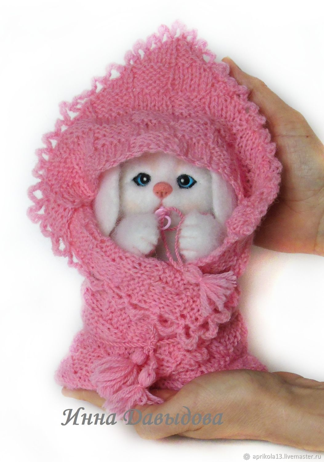 Felted Bunny button. The toy is made of wool, Felted Toy, Maloyaroslavets,  Фото №1
