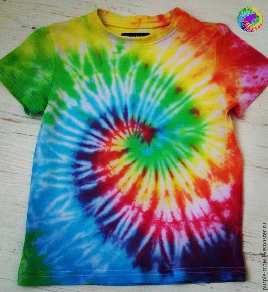 пример окрашивания детской футболки узором `Спираль` в радужных цветах :3