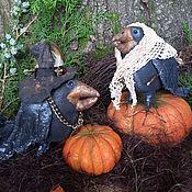 Куклы и игрушки ручной работы. Ярмарка Мастеров - ручная работа Она - с метлой, Он- в шляпе. Handmade.