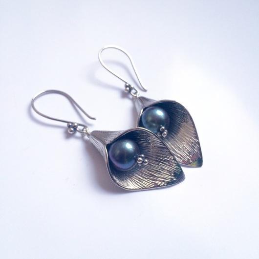 """Серьги ручной работы. Ярмарка Мастеров - ручная работа. Купить Серьги """"Silver & pearls"""". Handmade. Разноцветный, коричневый, каллы"""