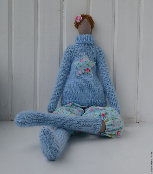 Куклы Тильды ручной работы. Ярмарка Мастеров - ручная работа. Купить Тильда в голубом  свитере и чулках. Handmade. Голубой, холлофайбер