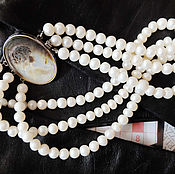 Украшения ручной работы. Ярмарка Мастеров - ручная работа Жемчужное ожерелье с камеей на перламутре. Handmade.
