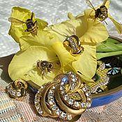 handmade. Livemaster - original item Bees. Brooch and clips by Lisner.. Handmade.