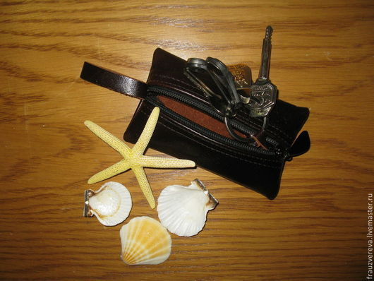 Ключницы ручной работы. Ярмарка Мастеров - ручная работа. Купить Ключница из натуральной кожи. Handmade. Однотонный, ключница из кожи, ключики