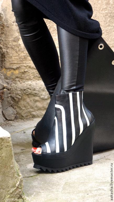 Обувь ручной работы. Ярмарка Мастеров - ручная работа. Купить Ботильоны из натуральной кожи Zebra. Handmade. Чёрно-белый