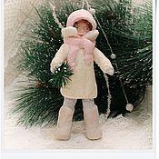 """Подарки к праздникам ручной работы. Ярмарка Мастеров - ручная работа ватная игрушка """"Девочка с елочкой"""". Handmade."""