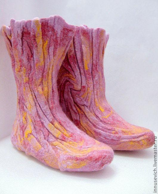 """Обувь ручной работы. Ярмарка Мастеров - ручная работа. Купить Высокие домашние валенки """"Фантазия"""". Handmade. Бледно-сиреневый"""