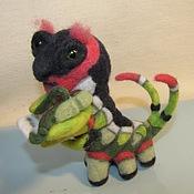 Куклы и игрушки ручной работы. Ярмарка Мастеров - ручная работа Гусениц Феофил, скрипач. Handmade.