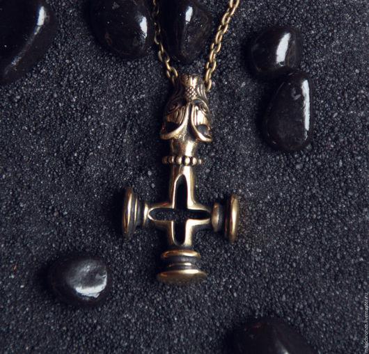 Кулоны, подвески ручной работы. Ярмарка Мастеров - ручная работа. Купить Исландский Крест (Крест Волка) : Бронзовый кулон с цепочкой. Handmade.