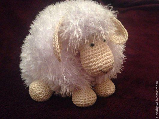 Игрушки животные, ручной работы. Ярмарка Мастеров - ручная работа. Купить Овечка-подушка. Handmade. Комбинированный, овечка вязаная, пряжа