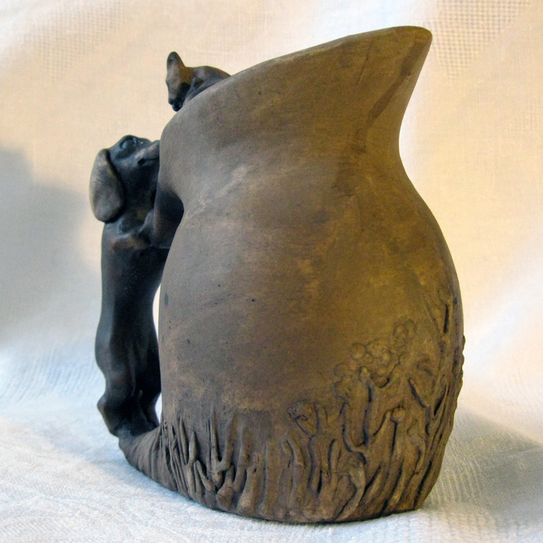 Кувшин-молочник с таксой и котенком