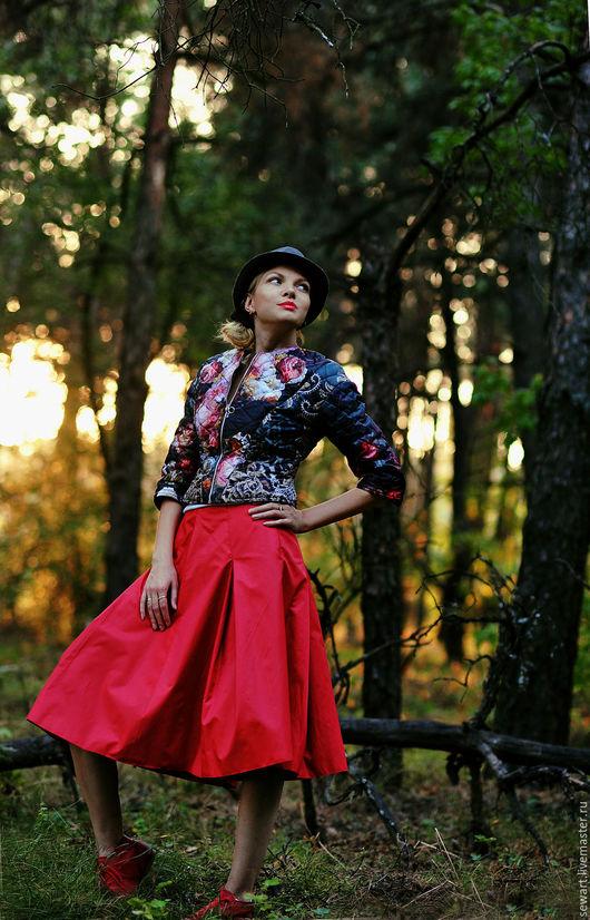 Верхняя одежда ручной работы. Ярмарка Мастеров - ручная работа. Купить Модная курточка из купонной стеганной ткани с розами. Handmade.