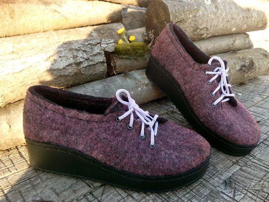 Обувь ручной работы. Ярмарка Мастеров - ручная работа. Купить Ботинки валяные демисезонные Ежевичные. Handmade. Ботинки женские, ботинки