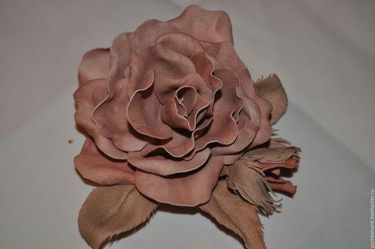 Броши ручной работы. Ярмарка Мастеров - ручная работа. Купить Брошь  - цветок из фоамирана. Handmade. Украшение ручной работы
