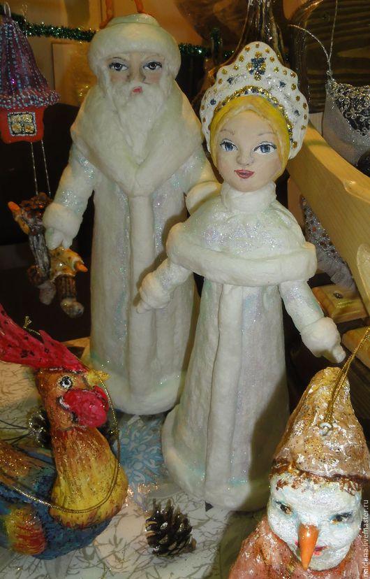 Статуэтки ручной работы. Ярмарка Мастеров - ручная работа. Купить Дед Мороз и Снегурочка из ваты для елки и интерьера. Handmade. Белый
