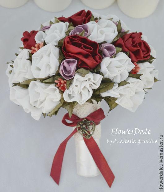 Свадебный красно-белый букет