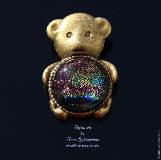 """Броши ручной работы. Ярмарка Мастеров - ручная работа. Купить Брошь """"Медвежонок"""". Handmade. Разноцветный, дихроическое стекло, брошь для шарфа"""