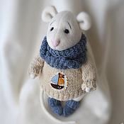 Куклы и игрушки ручной работы. Ярмарка Мастеров - ручная работа Мышонок в синем шарфике. Handmade.