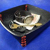 Для дома и интерьера ручной работы. Ярмарка Мастеров - ручная работа Поднос лоток из кожи для мелочей Черное и красное. Handmade.