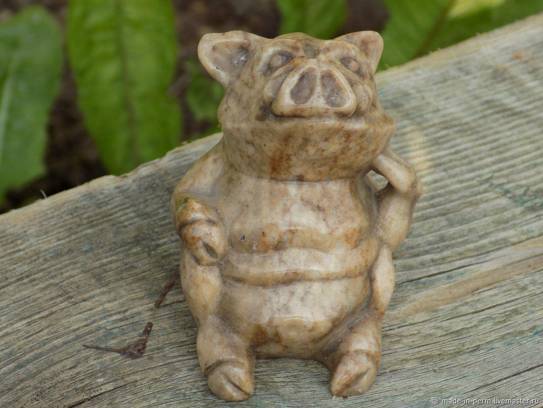 Жизнерадостный Свин - фигурка из камня Кальцит, Статуэтки, Орда,  Фото №1