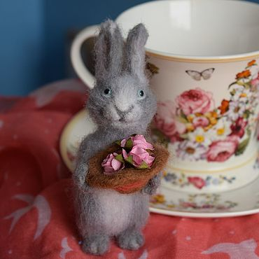 """Куклы и игрушки ручной работы. Ярмарка Мастеров - ручная работа Игрушка валяная """"Мартовский кролик"""". Handmade."""