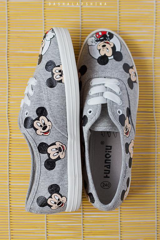 Обувь ручной работы. Ярмарка Мастеров - ручная работа. Купить Кеды с росписью Mickey Mouse. Handmade. Серый, ручная роспись