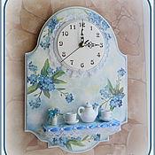 """Для дома и интерьера ручной работы. Ярмарка Мастеров - ручная работа Часы с полочкой """"Незабудки"""". Handmade."""