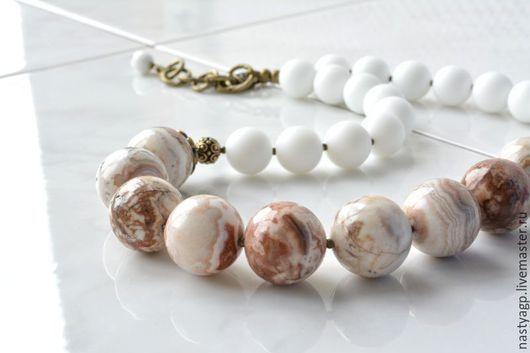 бусы , светлые бусы ,украшение из яшмы , бусы из камней , бижутерия из камней ,авторские украшения ,купить подарок