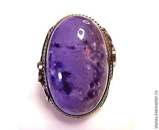 №3 Цена-2300 Высокий камень-28х18мм Размер кольца-17.6