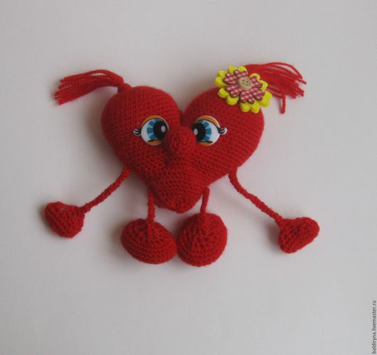 Подарки для влюбленных ручной работы. Ярмарка Мастеров - ручная работа. Купить Вязаная игрушка валентинка Сердце красное. Handmade.