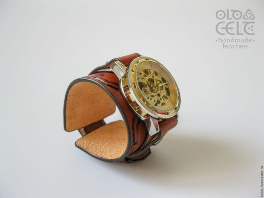 Часы ручной работы. Ярмарка Мастеров - ручная работа. Купить Кожаный браслет с часами в стиле стимпанк Медные трубы. Handmade.