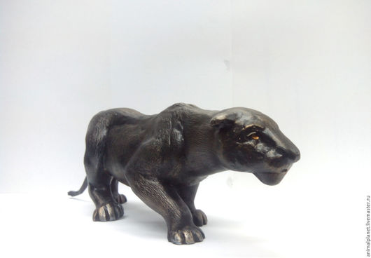 Скульптура  `Охотящаяся львица` animalplaneta@yandex.ru 8 (967) 038-96-95