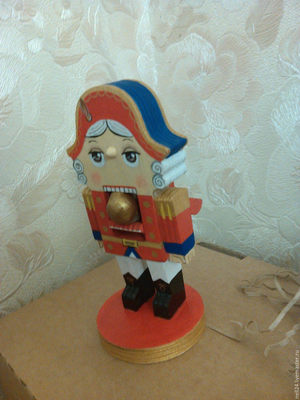 Купить Щелкунчик деревянный. Подарок на Рождество и Новый год. - ярко-красный, щелкунчик, ручная работа