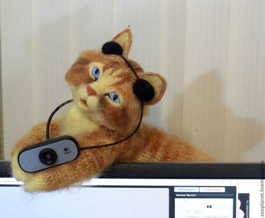 """Игрушки животные, ручной работы. Ярмарка Мастеров - ручная работа. Купить Веб-камера """"Девочка с плеером"""".. Handmade. Рыжий, подарок"""