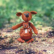 """Куклы и игрушки ручной работы. Ярмарка Мастеров - ручная работа Кенгуру с малышом """"Мамина любовь"""" Вязаная композиция. Handmade."""